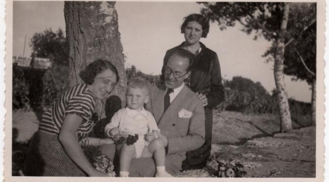Robert Gerhard, acompanyat per la seva esposa,  Poldi Feichtteger; la seva cunyada, Isabel Masqué i el seu nebot, Ferran Gerhard Masqué